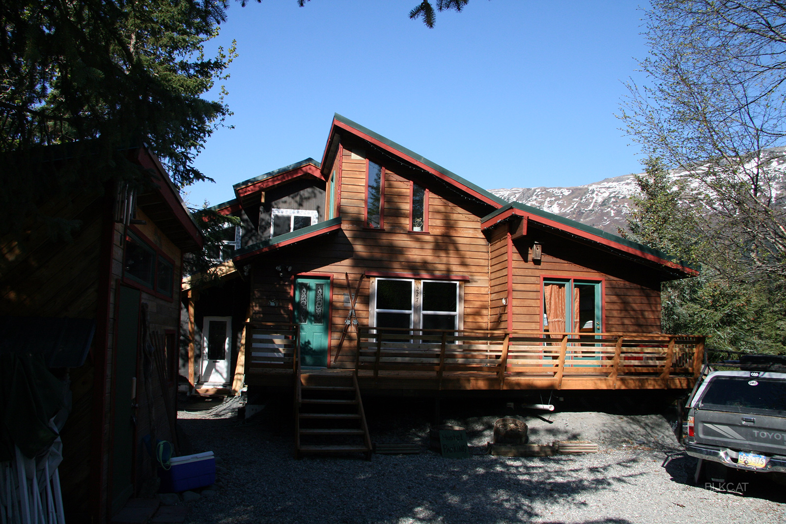 Hostel-Girdwood-Alaska