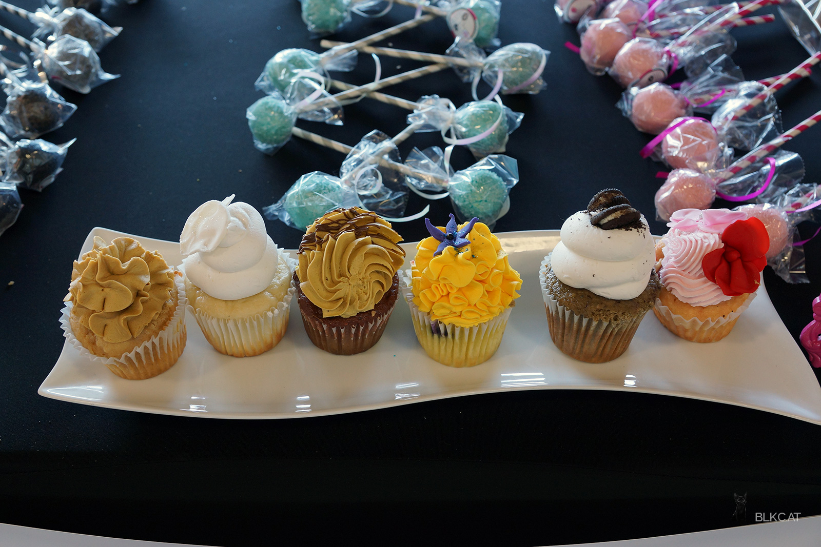 Dallas-Farmers-market-cupcakes
