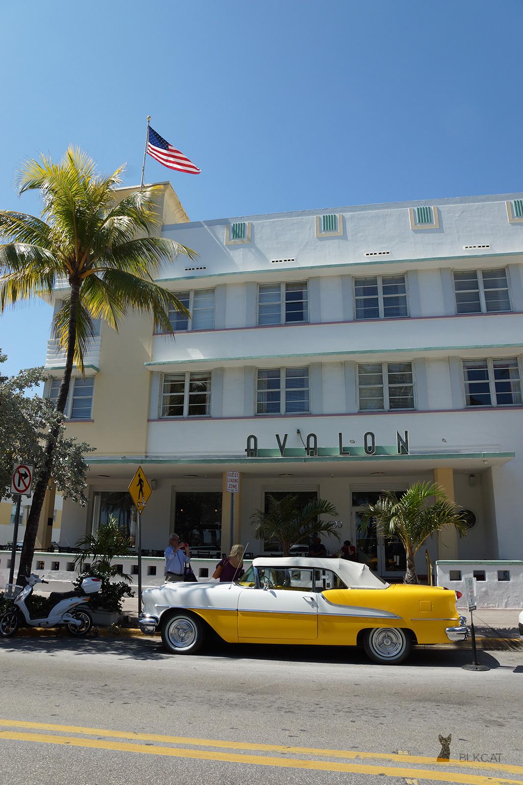 Miami-Beach-Oldtimer-yellow
